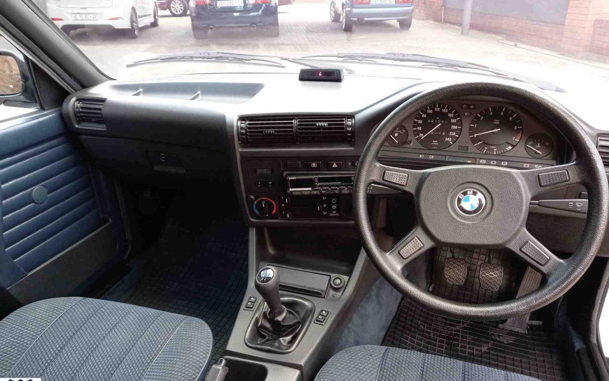 BMW 318i 11