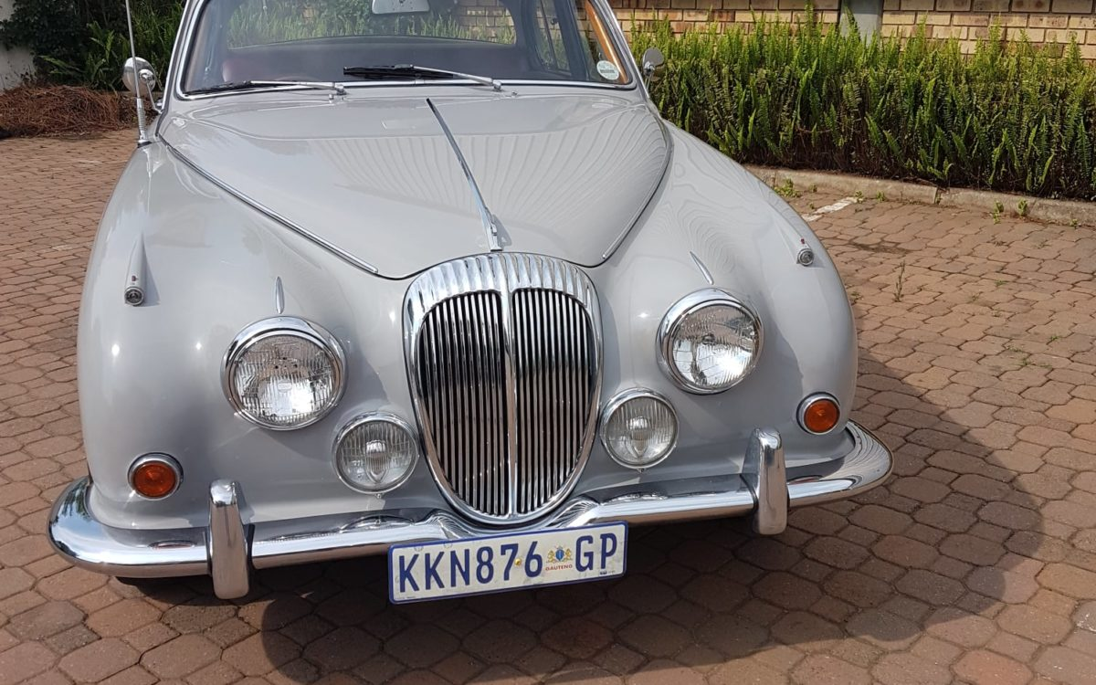 Daimler 250 v8 2