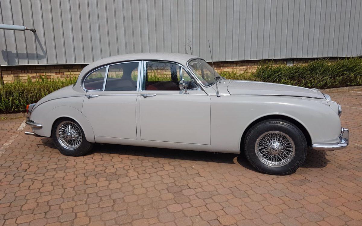 Daimler 250 v8 3